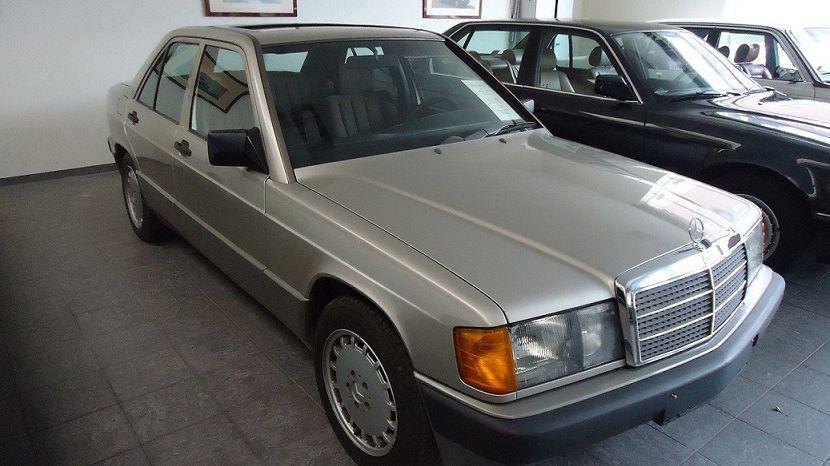 Mercedes-Benz 190E 2,5