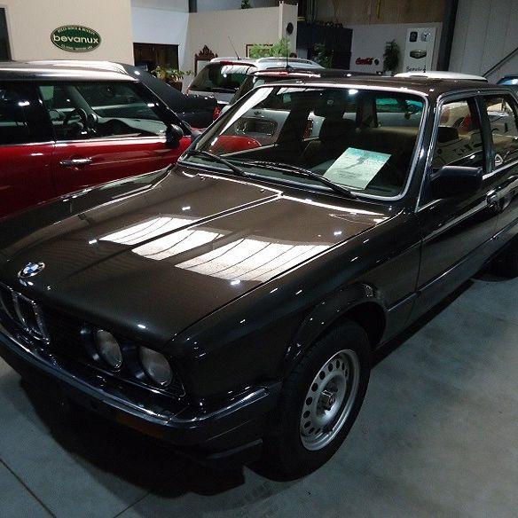 BMW 318 automaat - E30